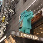 【58歳350日世界一周旅行】20181214アメリカ、ニューヨーク。ティファニーの水色のロボット
